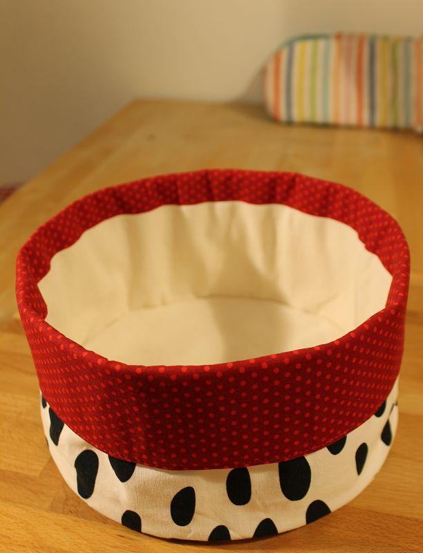 rums endlich ein gescheiter brotkorb aus stoff quilt. Black Bedroom Furniture Sets. Home Design Ideas