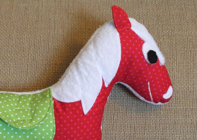 Kuschelpferd für die Kleinste – quilt-virus