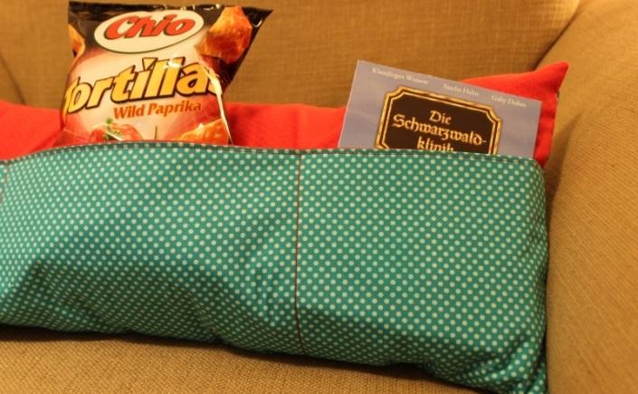 fernseh kissen ein geschenk nicht nur f r m nner quilt virus. Black Bedroom Furniture Sets. Home Design Ideas